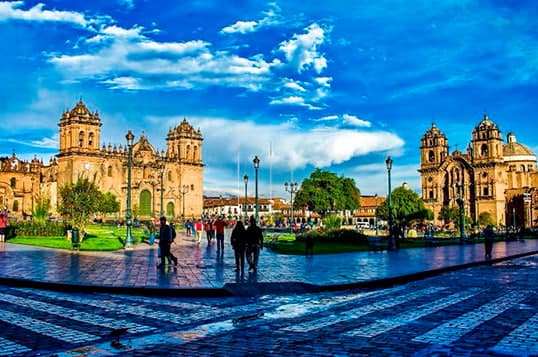 Puno to cusco by bus in tourist service la raya
